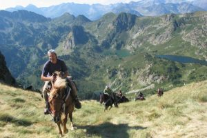 Cheval et nature dans les Pyrénées, entre Ariège et Aude