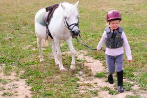 Colonie d'équitation dans l'Yonne, 4-6 ans