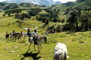 Randonnée à cheval en famille Pyrénées orientales