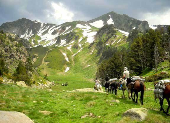 randonnee equestre pyrenees orientales